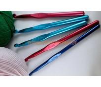 Крючок для вязания (цветной сплав)